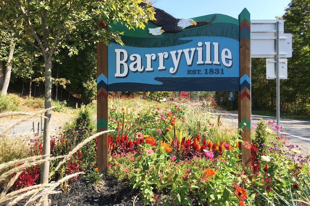 Barryville Welcome Sign-Garden