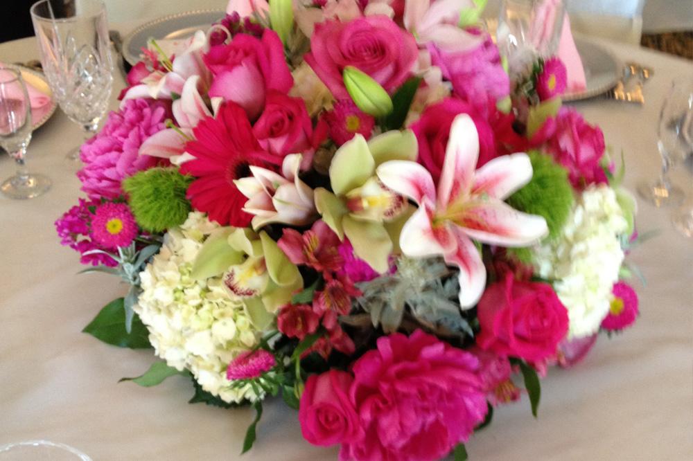 Floral cottage event table vases